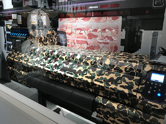 """The """"UCJV300-75"""" used for demonstration was dressed up by lapping with the brand's typical camouflage pattern."""